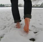 blog image barefoot snow